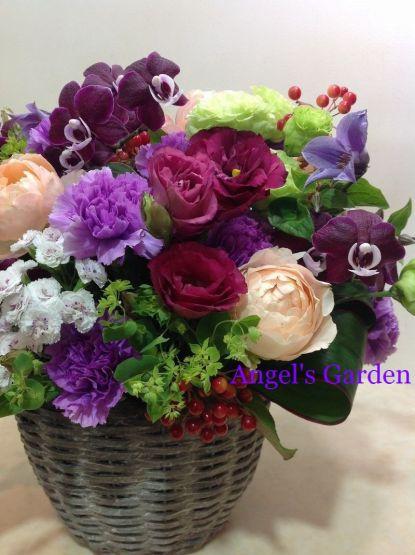 Angel'sGardenからお届けした紫色のお花を使ったフラワーアレンジメント
